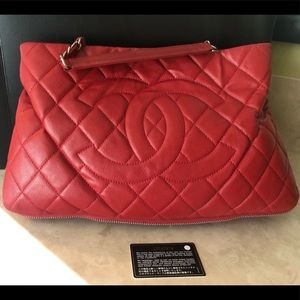 Chanel Red Quilted Caviar Leather Zip Bag